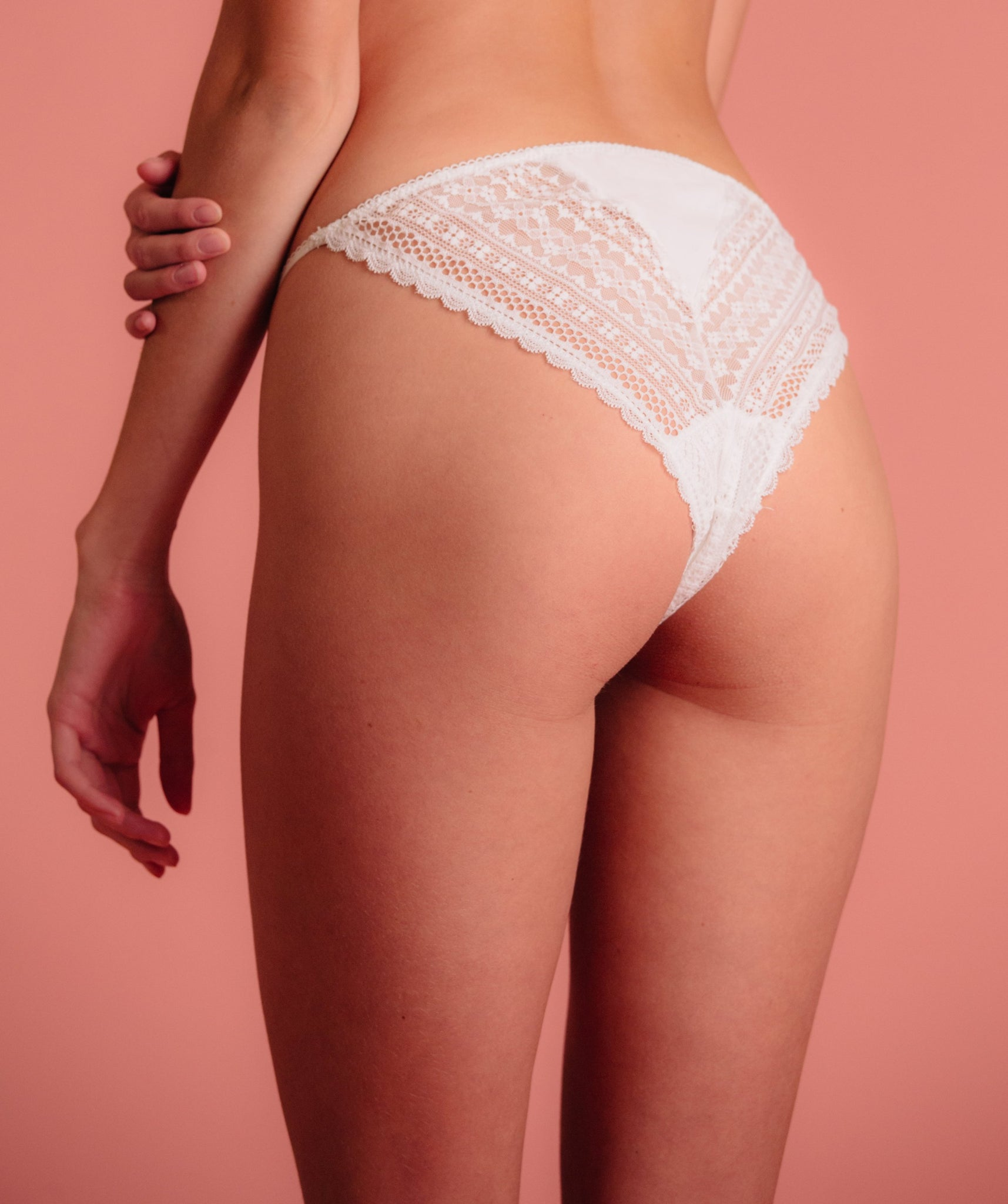 Lace and satin details bikini panty with bow