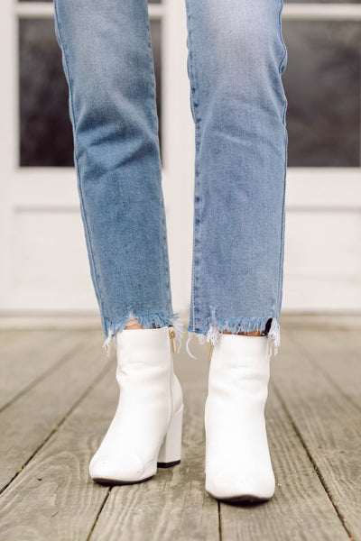 Take Me Downtown High Rise Relaxed Straight Jeans