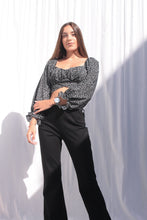 Load image into Gallery viewer, Calças FLARE bell bottom - pants