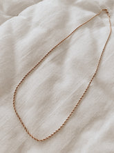 Load image into Gallery viewer, TURN necklace • colar