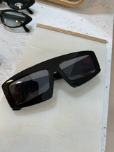 Load image into Gallery viewer, CYBORG  sunglasses // Óculos de sol