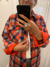 Load image into Gallery viewer, RED flanel shirt - camisa flanela