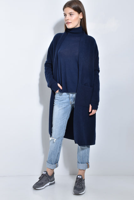 The Turtleneck with Blouson Sleeves and Thumbhole