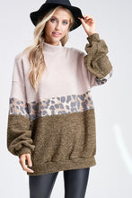 Load image into Gallery viewer, Cheetah Sweatershirt