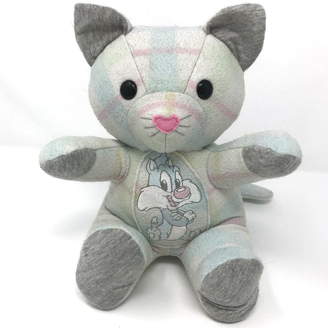 memory kitty made from a blanket