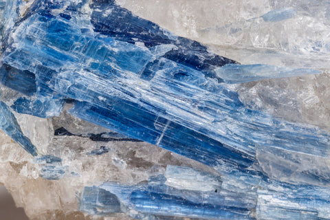 photo of blue kyanite close up