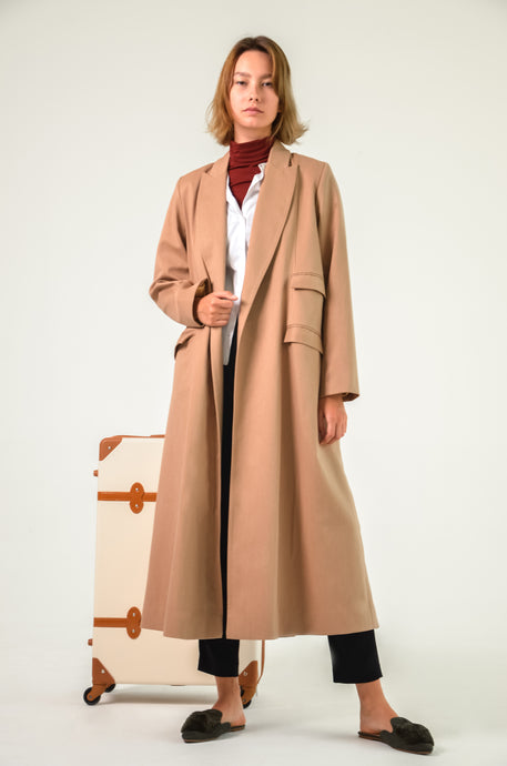 Tan  Oversized winter coat with 4 pockets and a Shawl collar