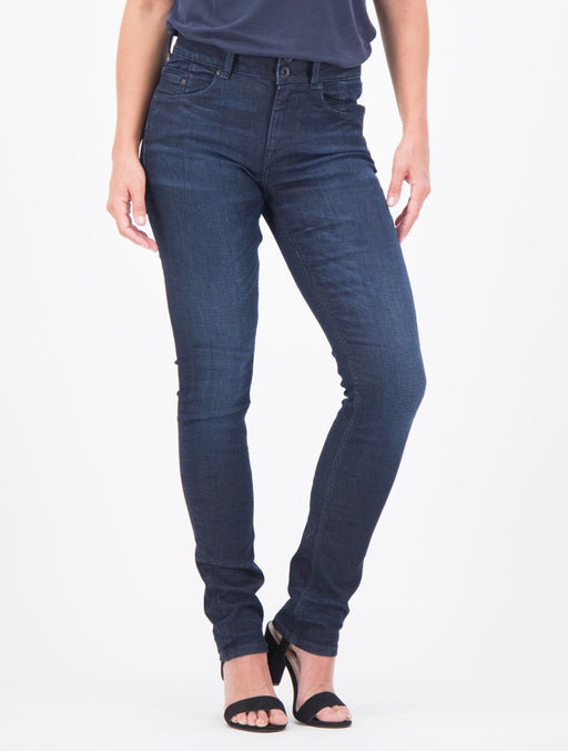 Jeans model Caro slim Shelter Denim dark used fra Garcia
