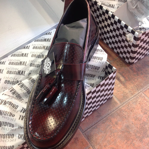 Quad Punch Tassel Loafer Oxblood