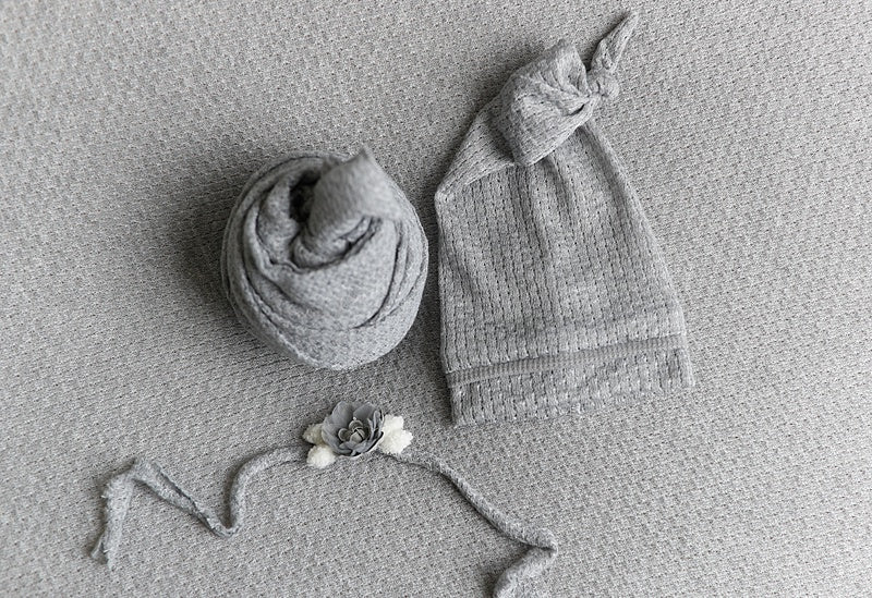 Silveriva Set Baby Wrap, Beanbag, Headband, and Hat Set