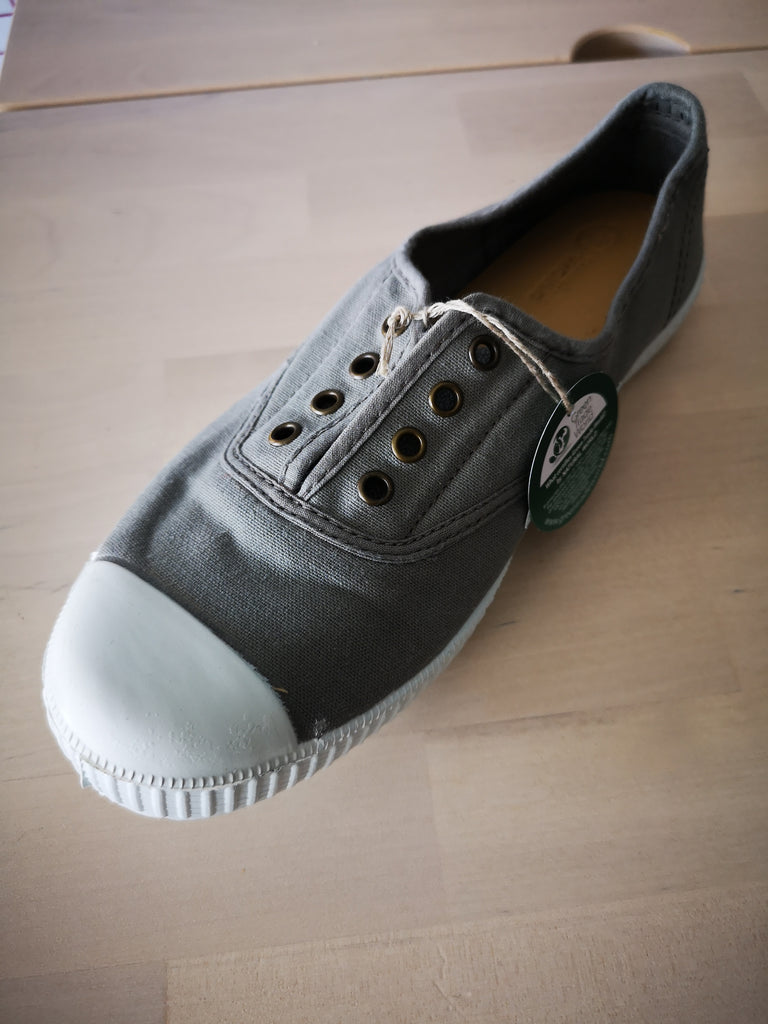 Stoffschuhe gris - natural world