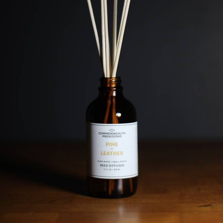 COMMONWEALTH PROVISIONS - REED DIFFUSER IN PINE & LEATHER