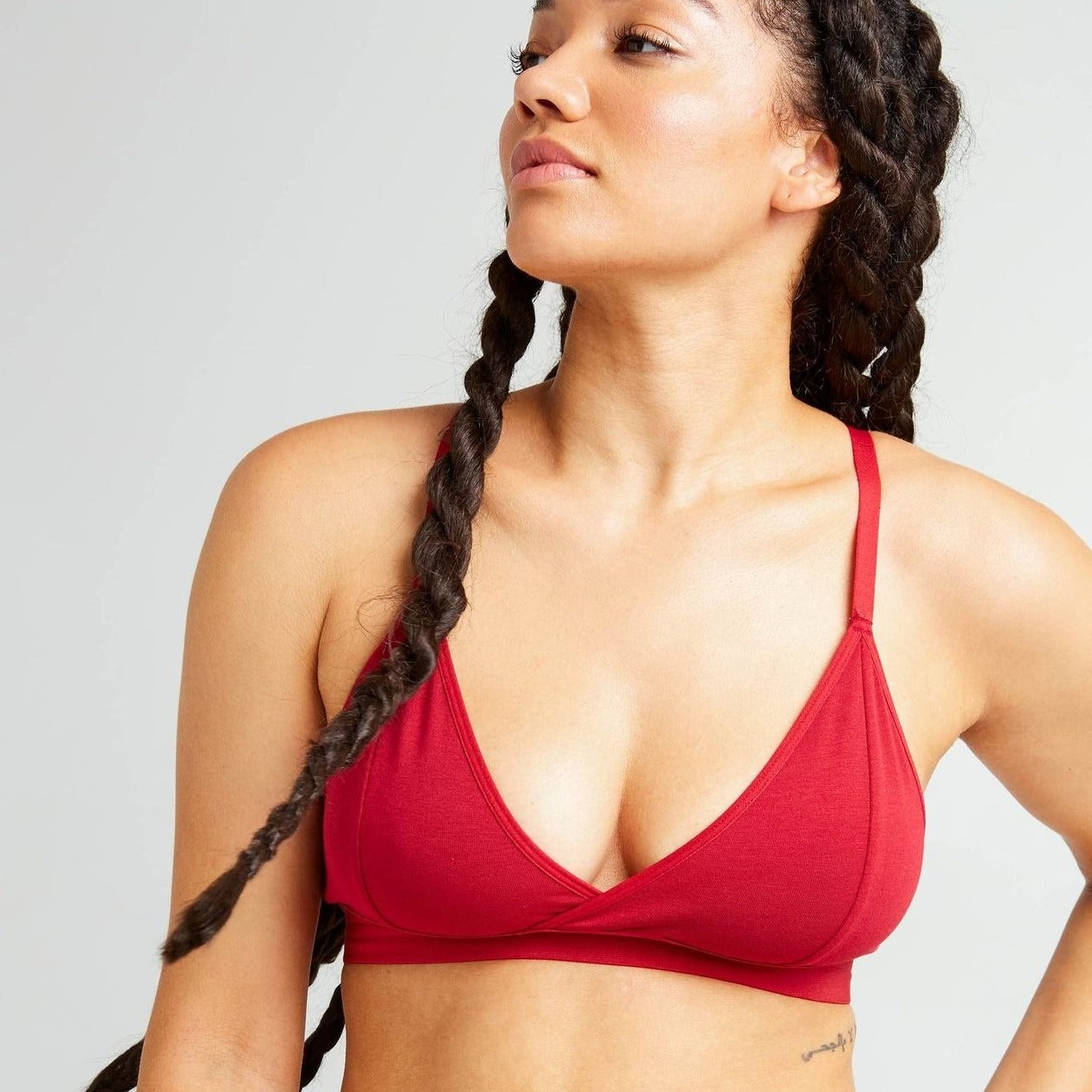 RICHER POORER - WOMEN'S CLASSIC BRALETTE IN RED VELVET