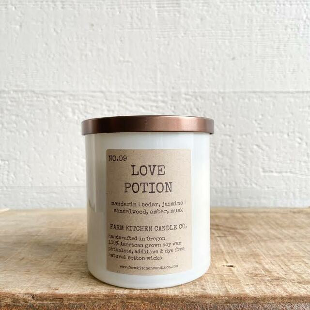 FARM KITCHEN CANDLE CO. - LOVE POTION SOY CANDLE 8.5OZ