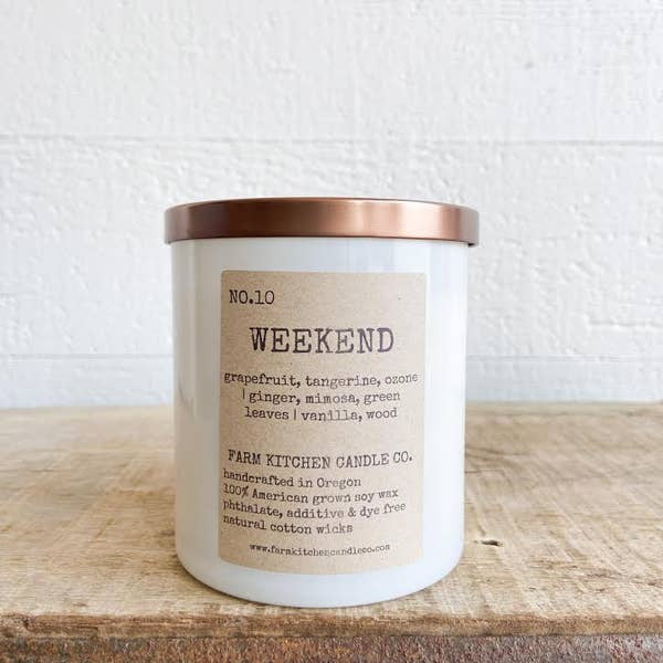 FARM KITCHEN CANDLE CO. - WEEKEND SOY CANDLE - WHITE