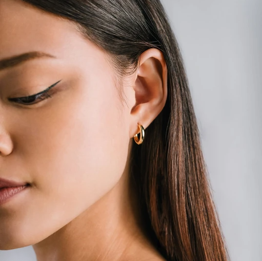 LOVER'S TEMPO - BEA 15MM HOOP EARRINGS IN GOLD