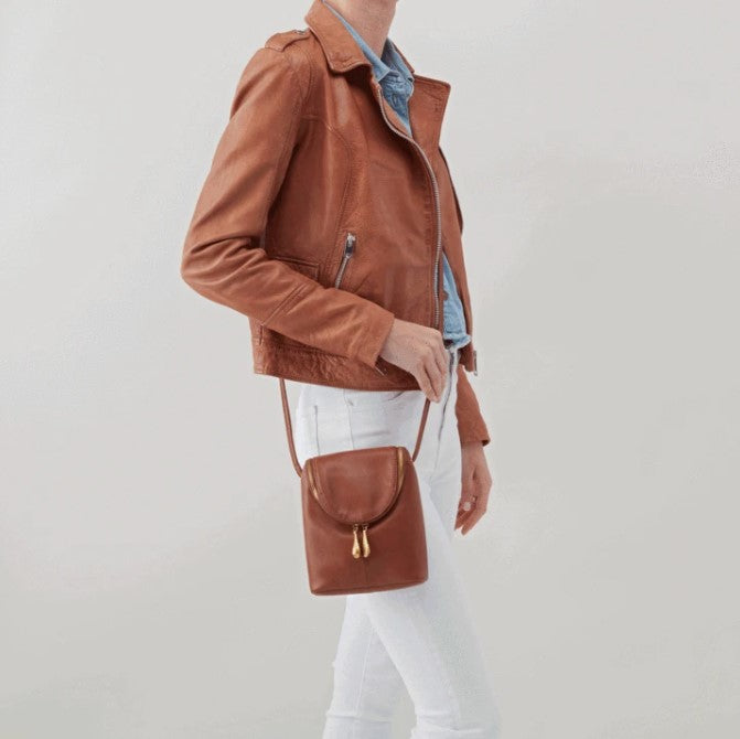 HOBO - FERN CROSSBODY BAG IN TOFFEE