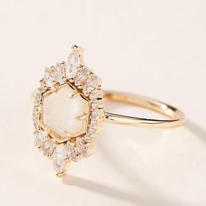 MELANIE AULD - MEDINA RING IN GOLD/MOONSTONE
