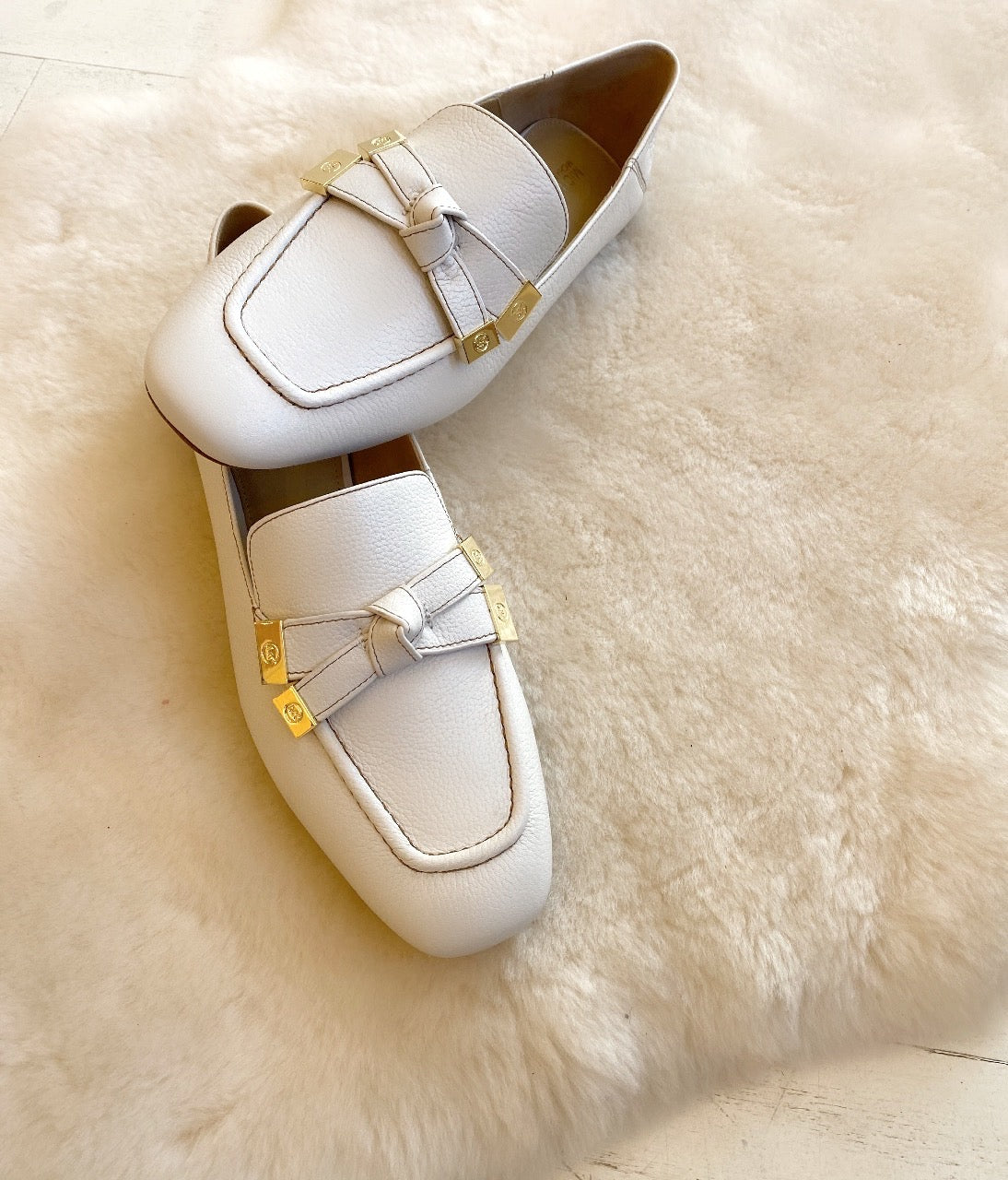 MICHAEL KORS - RIPLEY LOAFER IN LIGHT CREAM