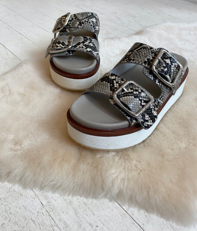 J SLIDES - BOWIE IN BEIGE/BLACK MULTI EMBOSSED