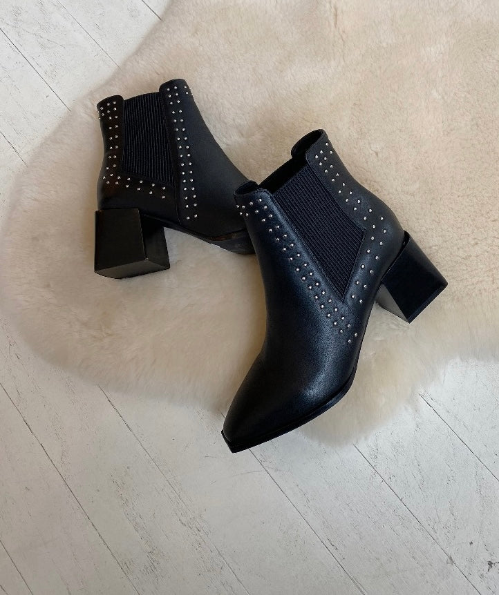 SOL SANA - ATTICUS BOOT IN BLACK STUD