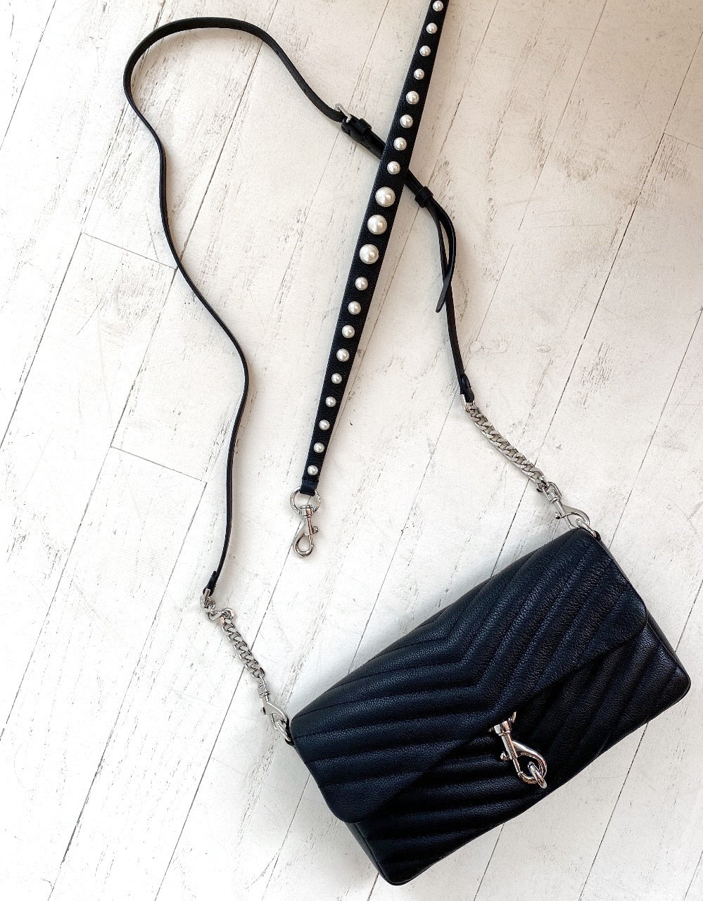 REBECCA MINKOFF - EDIE CLUTCH WITH PEARL STRAP IN BLACK