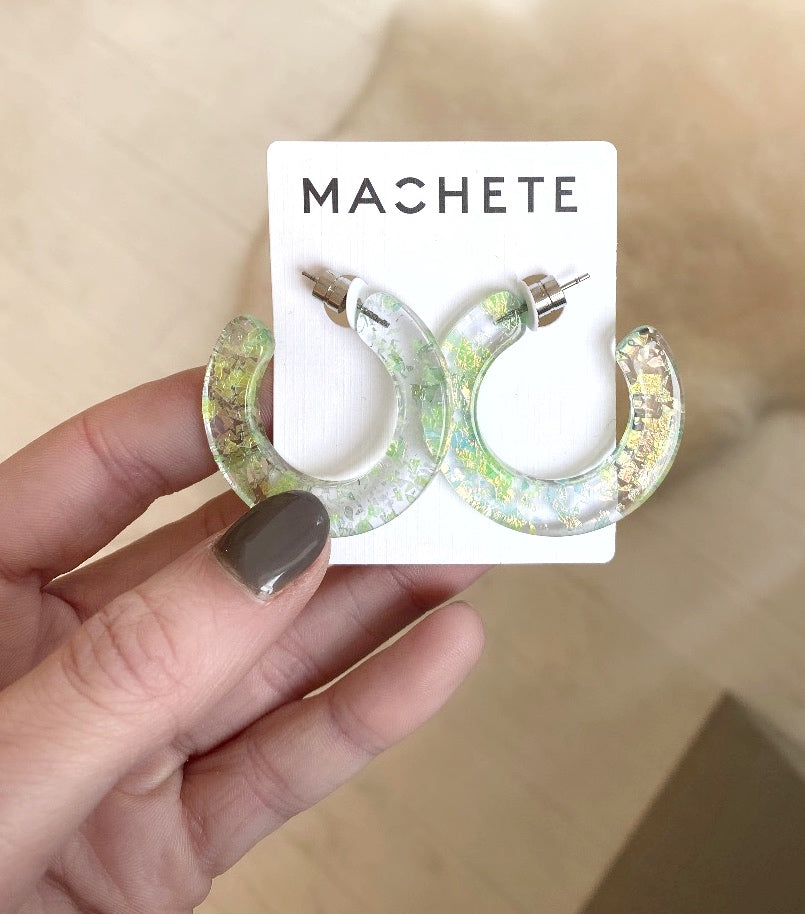 MACHETE - KATE HOOPS IN PRISM