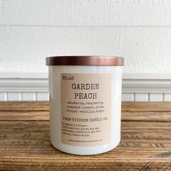 FARM KITCHEN CANDLE CO. - GARDEN PEACH SOY CANDLE - WHITE