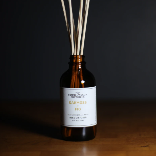 COMMONWEALTH PROVISIONS - REED DIFFUSER IN OAKMOSS & FIG