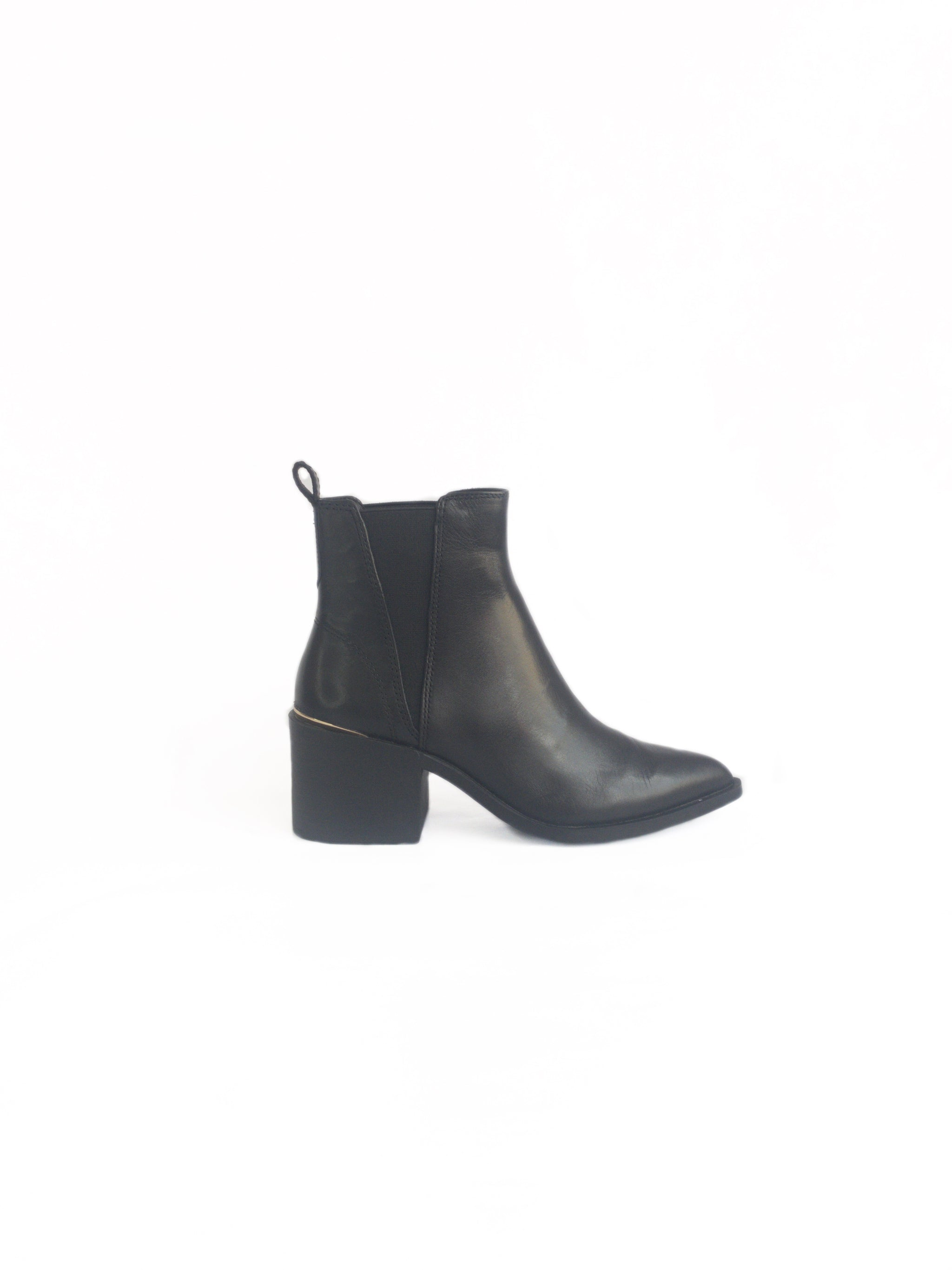 STEVE MADDEN - AUDIENCE-R IN BLACK LEATHER