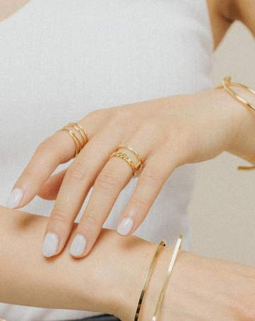 LOVER'S TEMPO - CHAIN REACTION RING IN GOLD