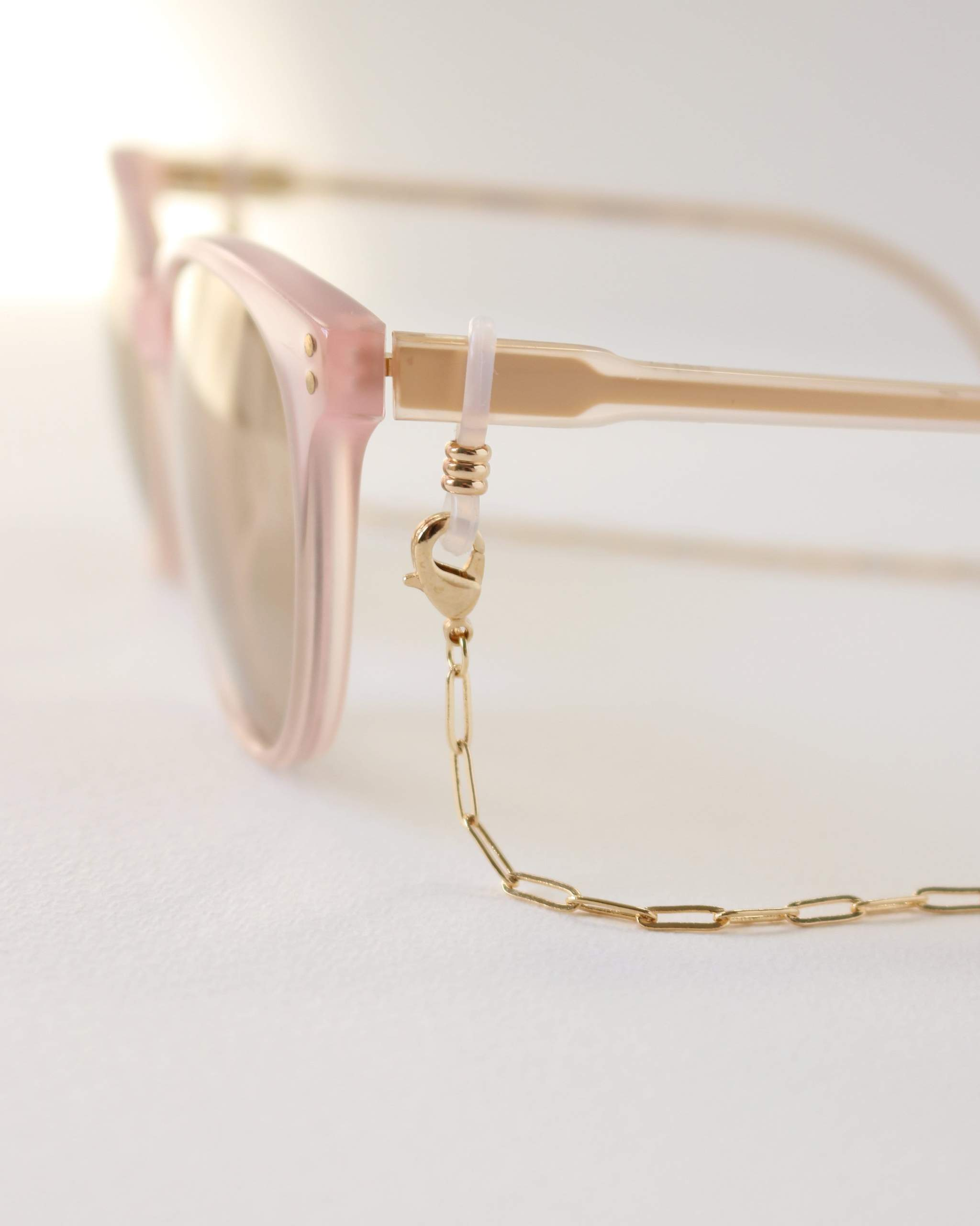 LOVER'S TEMPO - CHARLIE BOYFRIEND CONVERTIBLE GLASSES/ MASK CHAIN IN GOLD