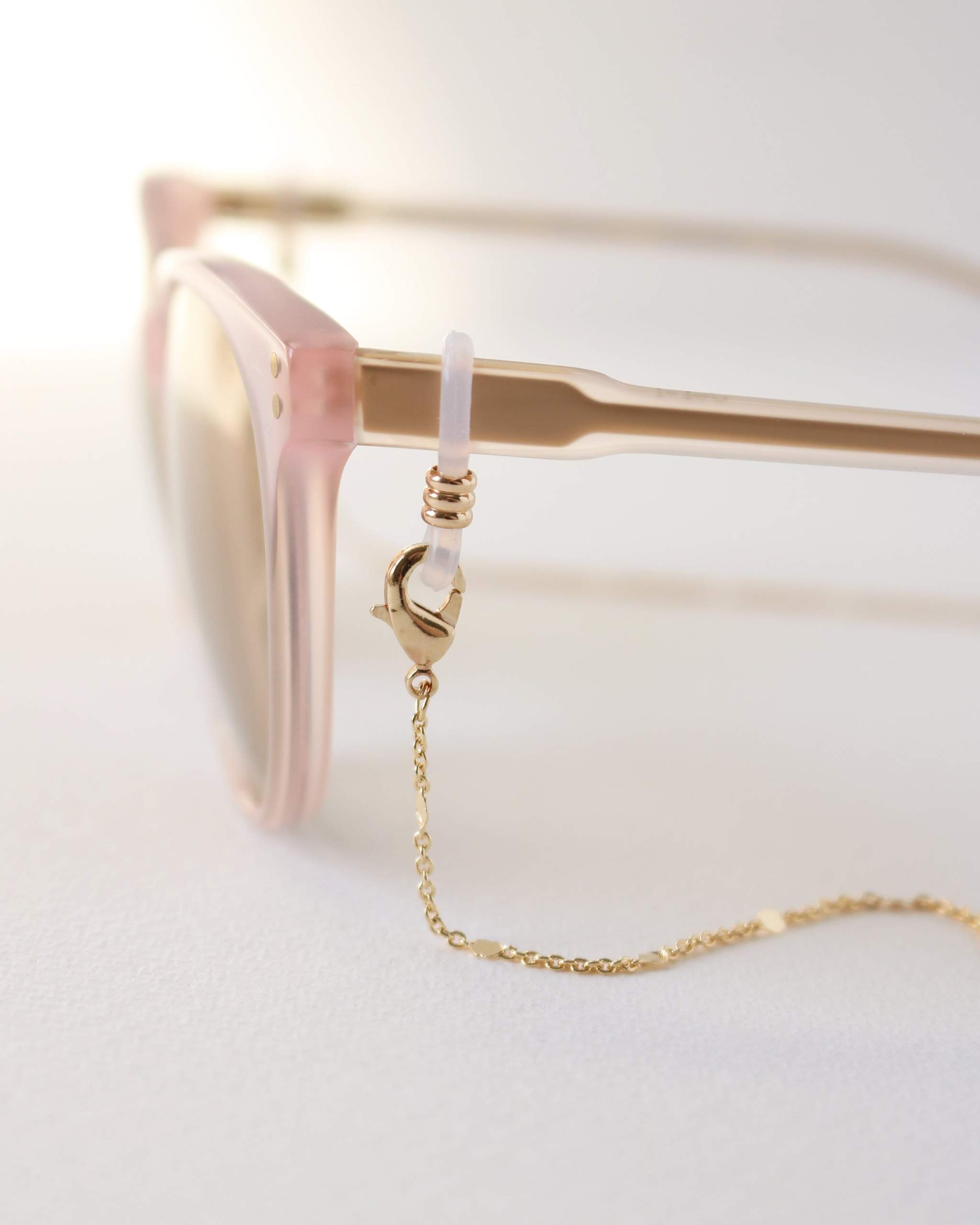 LOVER'S TEMPO - EVERLY CONVERTIBLE GLASSES/ MASK CHAIN IN GOLD