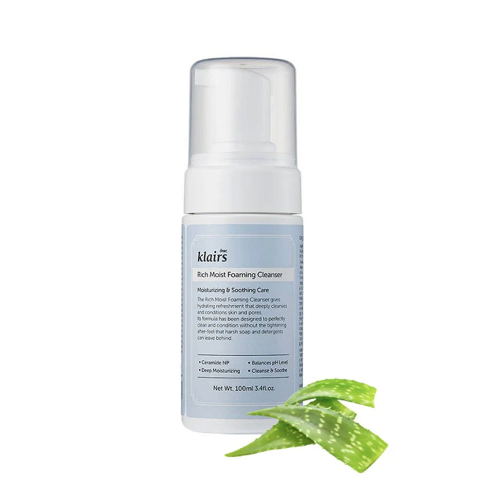 Rich moist foaming cleanser