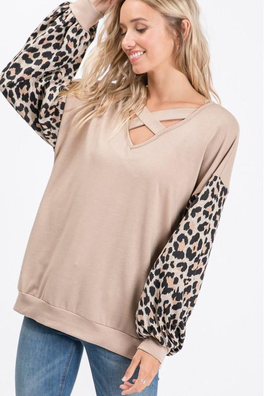 Curvy Leopard Puff Sleeve Top
