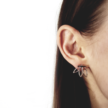 Load image into Gallery viewer, Floral Edge Earrings
