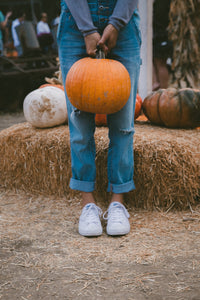 The Pumpkin Patch Babe | Lightroom Mobile Preset