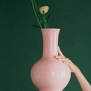 Grand vase rose en porcelaine