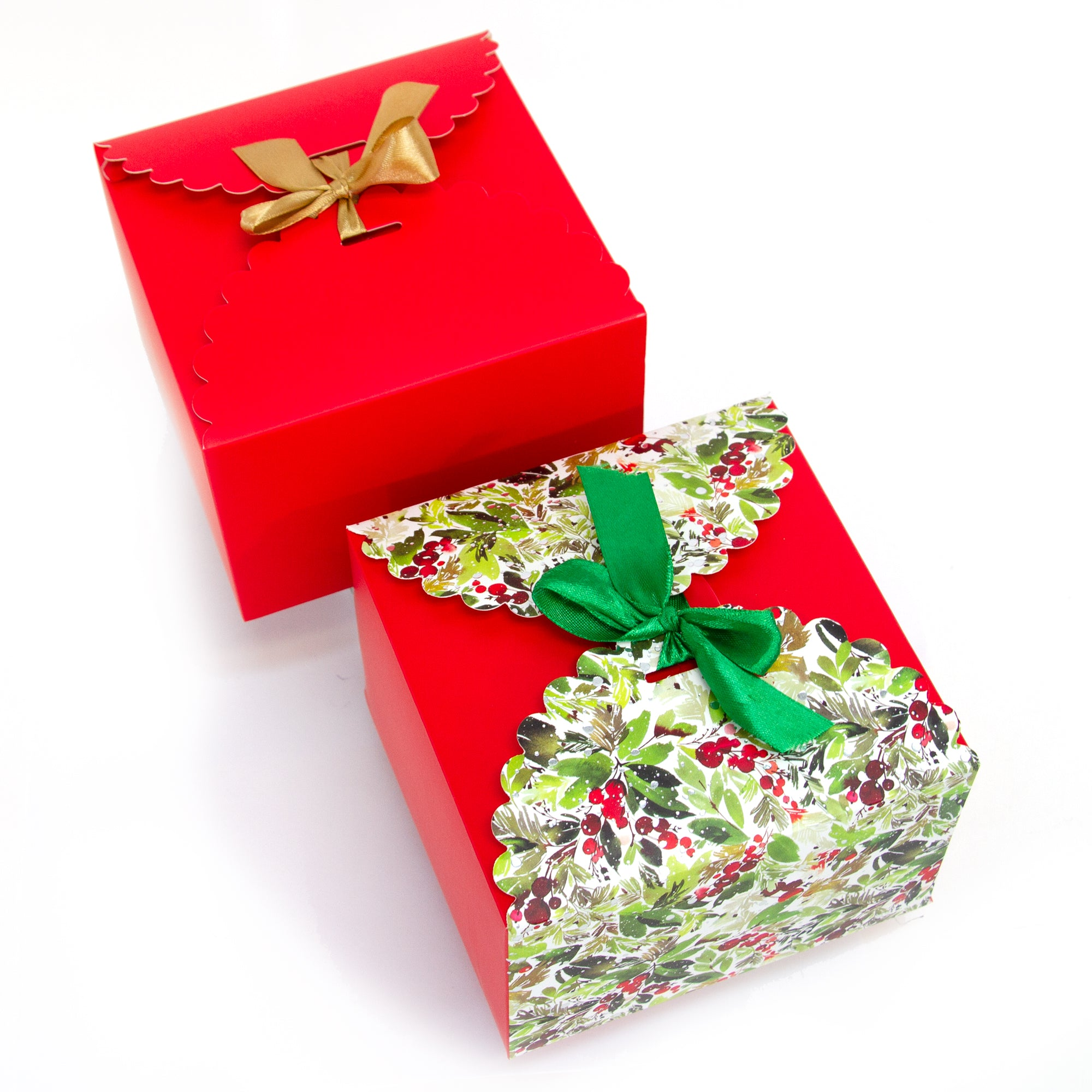 flower edge gift boxes, large favor gift boxes, scallop edge gift boxes, favor boxes, gift boxes, holiday gift boxes with ribbons, hot stamp premium gift boxes, christmas gift boxes, holiday favor gift boxes, teacher's appreciation week gift boxes, gift boxes in bulk | Gift Expressions