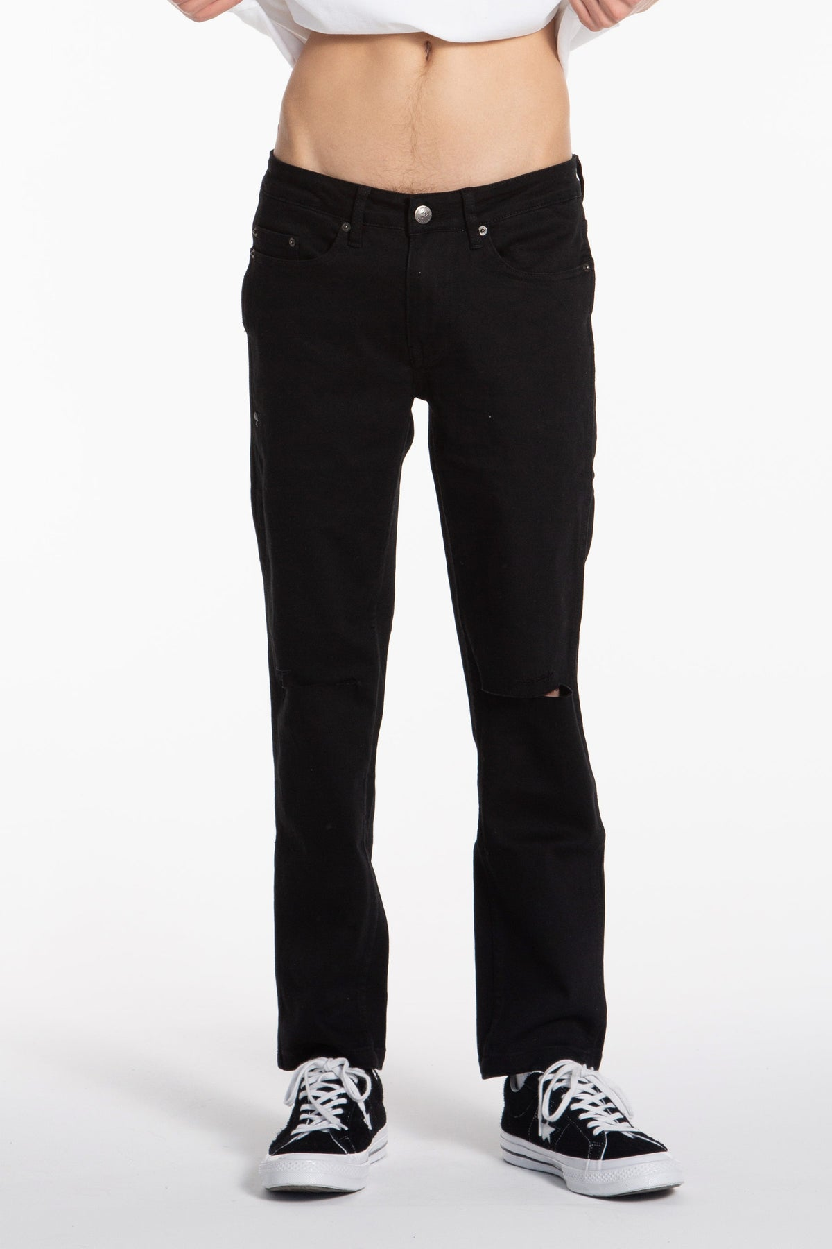 Distressed Cropped Slim Jean - Black