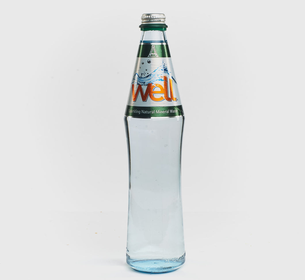 WELL-SPARKLING NATURAL WATER