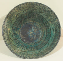 Load image into Gallery viewer, Seljuq bowl 13th century with fish-pond motif