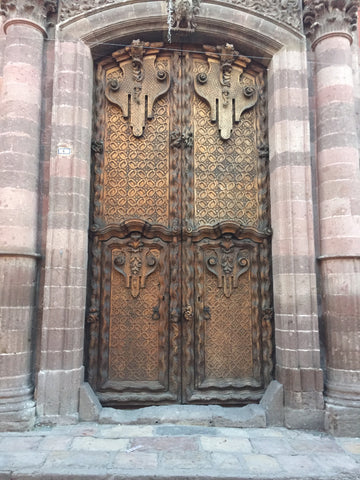carved_doors_wood_old_architecture_san miguel_mexico