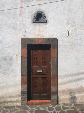 wood_door_architecture_hacienda_casa_san miguel_mexico