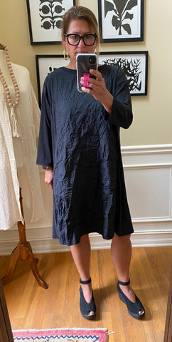 Jersey_crinkle_longsleeve_pullover_shift_dress_knee-length_front