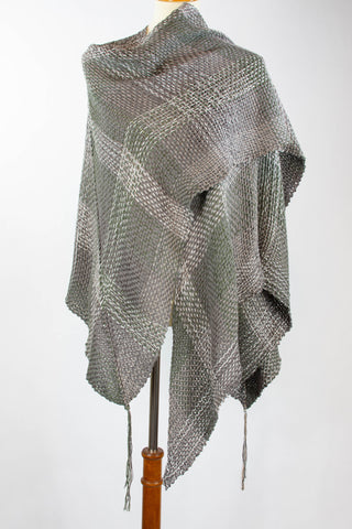 handwoven_textiles_wraps_natural fibers_cotton_handmade_women_Mexico_san miguel_grey
