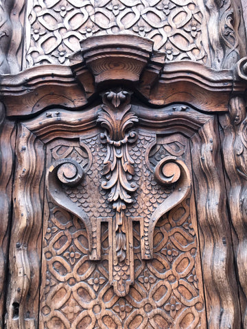 Carved_wood_door_detail_san miguel_mexico_architecture