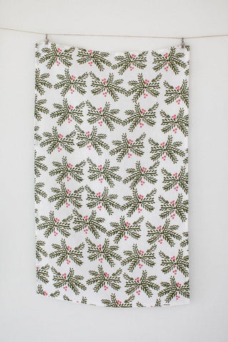 holly-berry-tea-towel-holiday-heirloomed-collection_femal-entrpreneur_women-owned