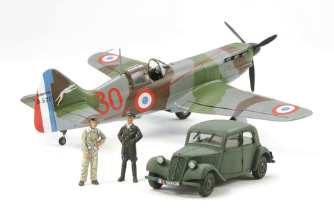 "TAMIYA DEWOITINE D.520 ""FRENCH ACES"" W/Staff Car (61092)"