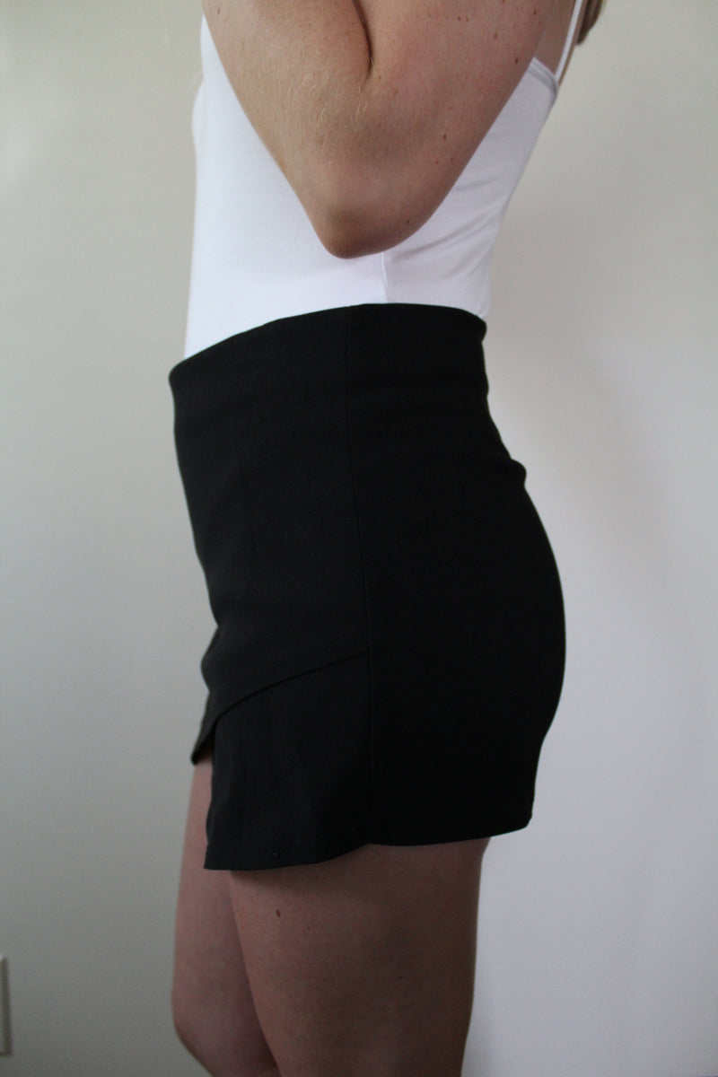Unforgettable Black Envelope Skort by Cashmere and Company